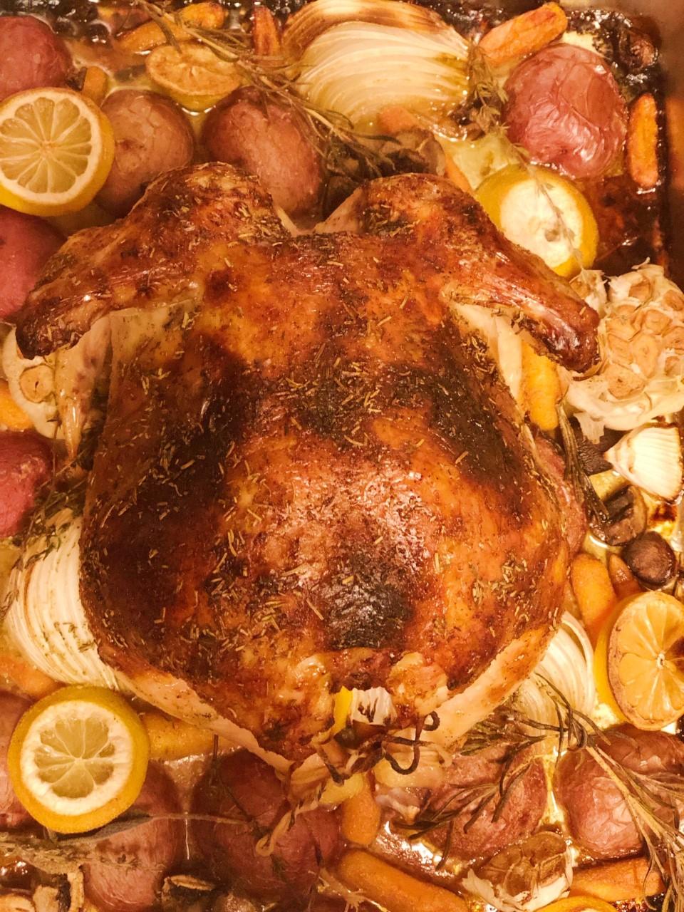 roast chicken, holiday chicken, holiday roast chicken, thanksgiving dinner, roasted chicken, roasted chicken, red potatoes, roast chicken meal, family dinner ideas, holiday dinner ideas