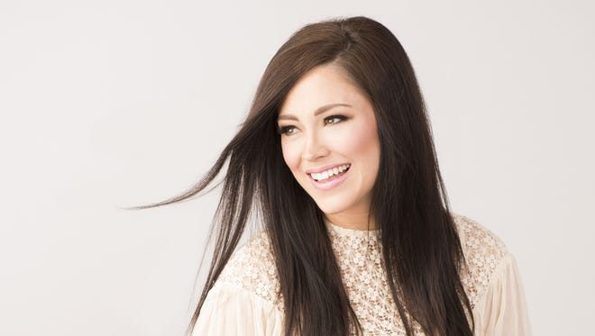 58| Kari Jobe: How to Pray in Difficult Seasons & Bringing Beauty Out of Ashes