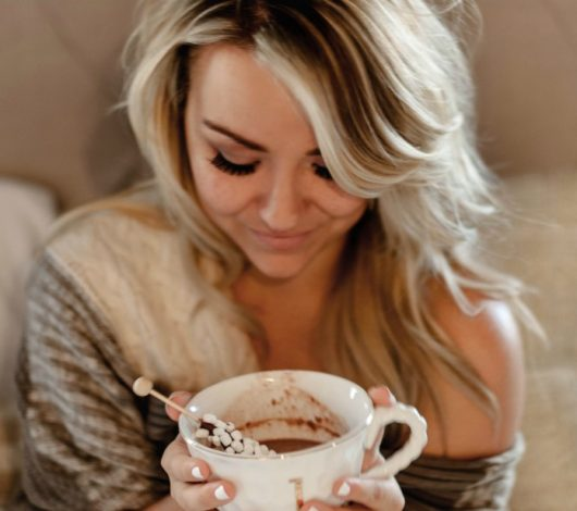 coffee in bed, girl hot cocoa